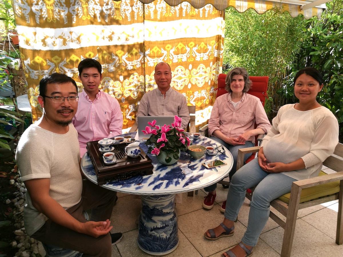 Besprechung des Projekts DEAN Brücke: Jianyong Yang, Daoming Li, Meister Dean Li, Uta Devries and Xiaobao Liu (von links nach rechts)